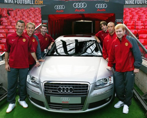 blog_audi_a4_and_manchester_united_players2.jpg